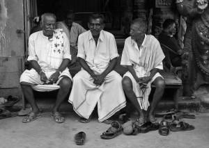 Indie w czerni i bieli.